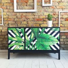 Wonderful Tropical Leaf Decor for Your Stylish Home Design Painted Bedroom Furniture, Decoupage Furniture, Upcycled Furniture, Vintage Furniture, Diy Furniture, Furniture Design, Unique Furniture, Decoupage Drawers, Furniture Stores