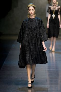 Loving Dolce & Gabbana's Ready to Wear Winter 2014 Collection - Byzantine Meets 1960s Italy