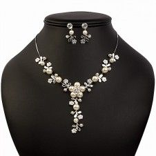 SET bijuterii mireasa Safiria colier si cercei placate cu Aur alb 10k perle si cristale Aur, Pearl Necklace, Pearls, Jewelry, Fashion, Crystal, Ear Rings, Schmuck, String Of Pearls