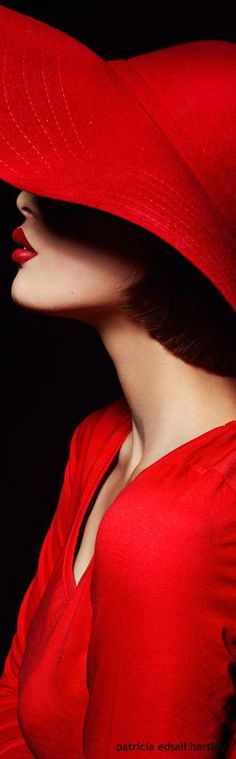 Lady in red hat ✿⊱╮ Glamour, I See Red, Simply Red, Red Hats, Red Fashion, Shades Of Red, Mode Style, My Favorite Color, Red Color