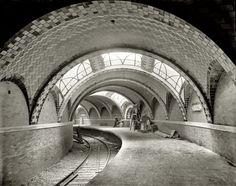 New York underground, circa 1904