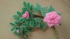 Розовая роза из бисера
