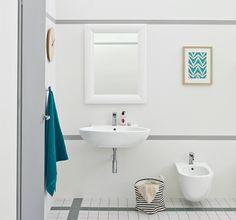 Simplicité clarté design de salle bains réduite