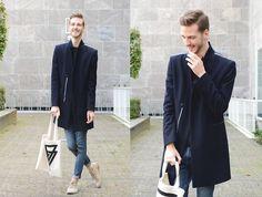 Zara Marine Blue Coat, H&M Skinny Jeans, H&M Canvas Bag, Clarks Desert Boots