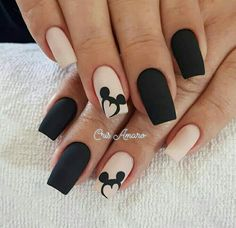 Uñas Disney Mickey Mouse – You are in the right place about nail art matte Here we offer you the most beautiful pictures about the nail art animal you are looking for. When you examine the Uñas Disney Mickey Mouse – part of the picture you can … Disney Acrylic Nails, Best Acrylic Nails, Easy Disney Nails, Disney World Nails, Disney Inspired Nails, Black Nail Designs, Acrylic Nail Designs, Disney Nail Designs, Stylish Nails