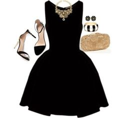 Un clásico de clásicos, estilo Audrey Hepburn en negro con accesorios en dorado. Vestido corto para fiestas con cuello bote.