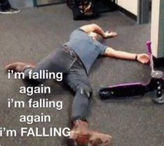 One Direction Humor, One Direction Pictures, I Love One Direction, Direction Quotes, Harry Styles Memes, Harry Styles Pictures, Haha Funny, Funny Jokes, Funny Reaction Pictures