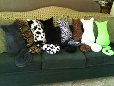 Cat pillow's, DIY- I maaaay need to make Meaghan one....