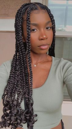Knotless Braids with Curls at end