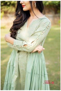 Neck Designs For Suits, Sleeves Designs For Dresses, Dress Neck Designs, Stylish Dress Designs, Blouse Designs, Sleeve Designs For Kurtis, Stylish Kurtis Design, Simple Kurti Designs, New Kurti Designs