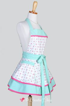Ruffled Retro Apron . Dainty Pink and Teal Roses von CreativeChics