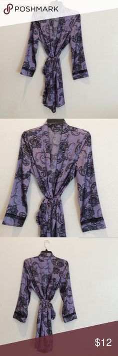 Beautiful robe Brand new with tags Apt. 9 Intimates & Sleepwear Robes
