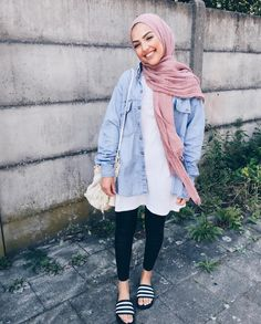 """Find and save images from the """"hijab ✨"""" collection by B (titimmarbh) on We Heart It, your everyday app to get lost in what you love. Modern Hijab Fashion, Hijab Fashion Inspiration, Islamic Fashion, Muslim Fashion, Casual Hijab Outfit, Hijab Chic, Ootd Hijab, Hijab Moda, Mode Abaya"""