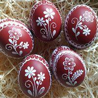 Polish Easter, Easter Tree Decorations, Easter Egg Designs, Ukrainian Easter Eggs, Easter Egg Crafts, Easter Traditions, Egg Art, Arte Popular, Egg Decorating