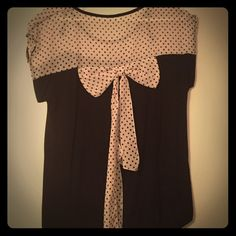 Black and white bow shirt Bow on the back Tops Tees - Short Sleeve