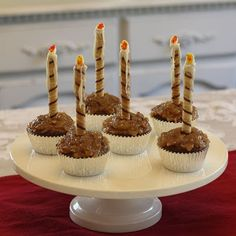 For our Candlemas Luncheon this year, I modified the Candlemas Cookies and made Candlemas Cupcakes instead! Catholic Feast Days, Saint Feast Days, Yogurt Covered Strawberries, Cookery Books, Easter Cupcakes, Holiday Treats, Us Foods, Just Desserts, Cookie Decorating