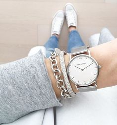 Forget performance, a luxurious watch attached to a wrist just always appears to be a significant enhancement to any wardrobe. Trendy Watches, Big Watches, Best Watches For Men, Pinterest Jewelry, Hand Watch, Ring Verlobung, Fashion Watches, Jewelery, Pandora