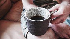 Delicious coffee in strong hands. 🖐🏻 Thanks to @joshuahughesartist. 💙 ----------------------------------------------------------#ceramics #clay #pottery #art  #craft #contemporaryceramics #tableware #breakfast #keramik #handmade #mugs #tea #design #coffee #pourovercoffee #pourover #céramique #homedecor #thehivehandmade #lifestyle #contemporarycraft #foodphotography #photography #portland #oregon #madeinaskutt #cerámica #陶瓷 #smallbusiness #handandfire…