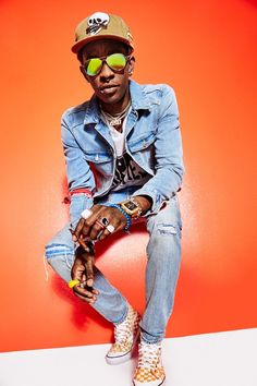 Young Thug Proves High Fashion Has Gone Crazy (Which Makes Total Sense Photos Young Thug Fashion, Dinosaur Sweater, Urban Street Style, Street Styles, Guys And Dolls, Gq Style, Look Younger, Going Crazy, Famous Faces