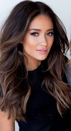 Popular Hair Color Ideas for Brunettes in Brunette Hair Color 2018 Highlights For Dark Brown Hair, Hair Color Highlights, Hair Color Dark, Hair Color Balayage, Brown Hair Colors, Cool Hair Color, Brown Balayage, Haircolor, Bayalage