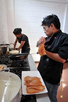 Nezahualcóyotl, Méx. 02 Agosto 2013. La Jornada Multidisciplinaria en Apoyo a la Salud de la Mujer incluyó una demostración culinaria promovida por el Instituto de la Mujer de Neza.