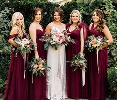 Bridesmaid dresses for fall wedding gorgeous ideas for a red wedding palette cranberry gold blush Maroon Bridesmaid Dresses, Red Bridesmaids, Cranberry Bridesmaid Dresses, Wine Color Bridesmaid Dress, Bridesmaid Outfit, Fall Wedding Bridesmaids, Bridesmaid Bouquets, Wedding Bouquets, Different Colour Bridesmaid Dresses