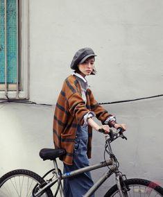 How to Wear Cardigan Look More Stylist Love Fashion, Girl Fashion, Autumn Fashion, Bike Style, Style Me, How To Wear Cardigan, Cycle Chic, Bicycle Girl, Asian Style