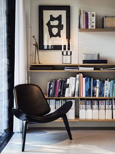 String Shelving System and Shell Chair by Hans Wegner Scandinavia Design, Living Spaces, Living Room, Mid Century Modern Design, Apartment Living, Home And Living, Simple Living, Interior Inspiration, Interior Architecture