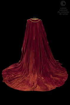 Costume designed by Franco Zeffirelli for Maria Callas in the Paris Opera's 1964 production of Vincenzo Bellini's Norma From the Centre National du Costume de Scéne