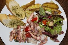 Kochleidenschaft: Oktopus Salat mit gesalzenen Kartoffelspalten aus ...
