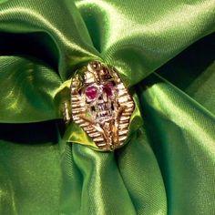 Tutankhamon Skull Ring Ring 18 kt yellow gold skull in silver rubies kt. 0.26 - Dogale jewellery Venezia Italy