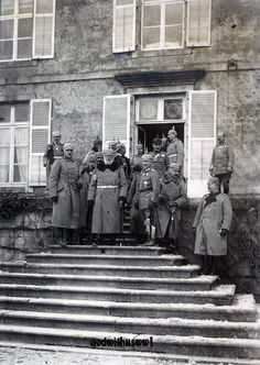 The King of Bavaria with his general staff, 1916.