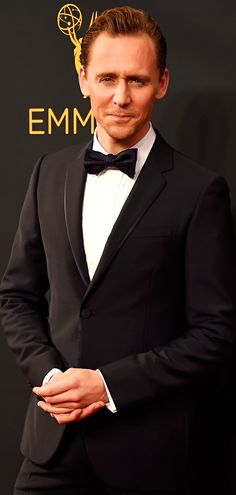 Tom Hiddleston attends the 68th Annual Primetime #Emmy Awards at Microsoft Theater. #TheNightManager Via torrilla. Click here for full resolution: https://pbs.twimg.com/media/CsrSiIiVIAAvceh.jpg:large