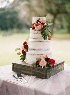Rustic Floral Wedding Cake | Emily Katharine Photography | http://heyweddinglady.com/rustic-lakeside-brunch-wedding-film-photography/  #weddings #weddingideas #weddingcake