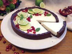 Panelinha de Sabores: Tarte de lima com base de oreo caseira (saudável Bolo Vegan, Vegan Cake, Sweet Desserts, Dessert Recipes, Oreo, Feta, Cheesecake, Dairy, Veggies