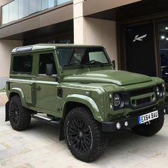 No photo description available. Defender 90, Land Rover Defender 110, Landrover Defender, Auto Camping, Jeep Cars, Jeep 4x4, Kahn Design, Jimny Suzuki, Suv Trucks