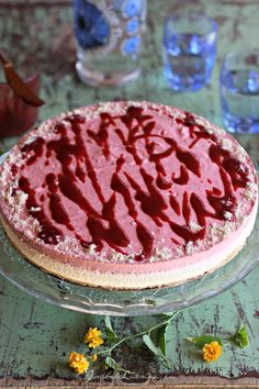 Cheesecake necopt cu mousse de ciocolata alba si capsuni