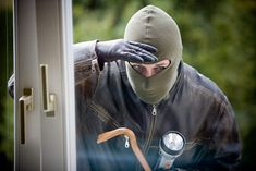 Este hechizo fuerte contra los robos se basa en la utilización de un amuleto protector que evitará los robos y la presencia de ladrones en tu casa