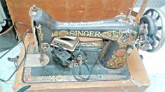 ANTIQUE SINGER SEWING MACHINE SINGER SEWING MACHINE AMAZING CONDITION W/ CASE #Singer