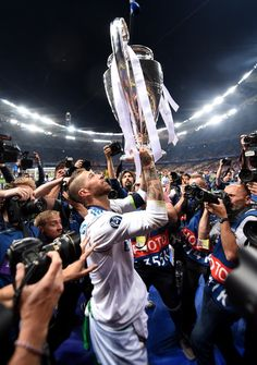 Sergio Ramos of Real Madrid celebrates with the UEFA Champions League Trophy following his sides victory in the UEFA Champions League Final between Real Madrid and Liverpool at NSC Olimpiyskiy Stadium on May 26, 2018 in Kiev, Ukraine.