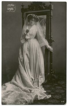 Vintage lady miss Dare VI by *MementoMori-stock on deviantART Vintage Wedding Photos, Wedding Dresses Photos, Vintage Bridal, Vintage Images, Vintage Weddings, Wedding Pics, Vintage Outfits, Vintage Fashion, Vintage Style