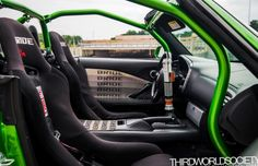 Pretty dope interior and roll cage!!!!
