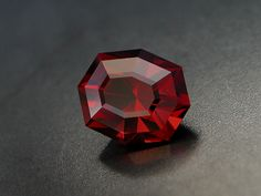 "Tanga Garnet / Rhodolite, 2.98 cts. Highend Tanzanian Rhodolite with good clarity, colour and cut (""Lighthouse of Porporela""). Only 39 facets but lots of finest sparkles, great for collectors and jewelry. 2.98cts 9.3 × 7.7 × 6.1mm. By Osiris Gems. Via osirisgems.com"