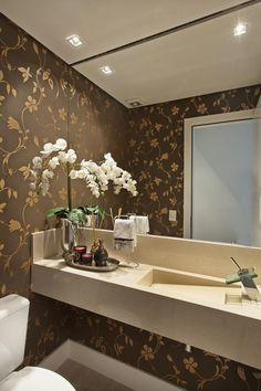 Tapéta val nem is rossz Wc Decoration, Interior And Exterior, Interior Design, Washroom, Powder Room, Sweet Home, Vanity, House Design, Mirror