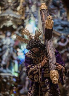 C. De la pasión Sevilla Religious Art, Christianity, Religion, Hair Styles, Beauty, Pictures Of Christ, Saints, Lent, Death
