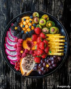Hy everybody 🙋 When the amazing Amanda hosts a snack platter party I have to join 😊 And you… Snack Platter, Party Food Platters, Party Fruit Platter, Fruit Platter Designs, Fruit Plate, Healthy Halloween Snacks, Healthy Snacks, Healthy Recipes, Stay Healthy