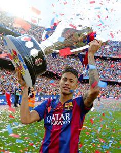 Neymar with La Liga title Messi And Neymar, Lionel Messi, Neymar Brazil, Barcelona Team, Camp Nou, World Cup 2014, Best Player, Football Players, Jay Park