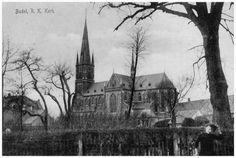 R.K. Kerk O.L.V. Visitatie, Mathijsenstraat: gebouwd in 1912, gezien over de overgebleven gracht van de Burght - 1915 Vervaardiger:niet vermeld