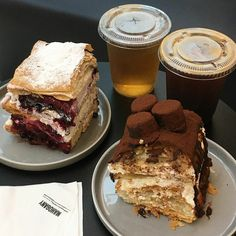 Sweet Recipes, Snack Recipes, Good Food, Yummy Food, Aesthetic Food, Brown Aesthetic, Puff Pastry Recipes, Love Eat, Cafe Food