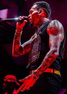 New Chris Brown, Chris Brown Style, Breezy Chris Brown, Just Beautiful Men, Pretty Men, Chris Brown Wallpaper, Cheetah Print Wallpaper, Chirs Brown, Chris Brown Pictures